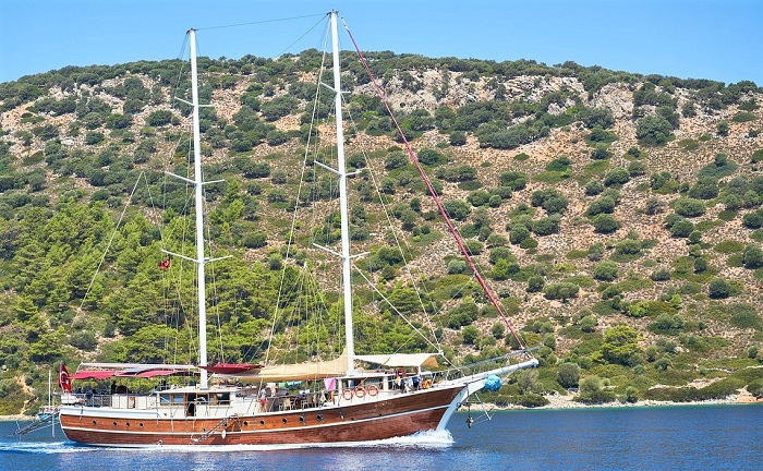 Gulet cruising in Turkey