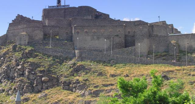 قلعة كارس