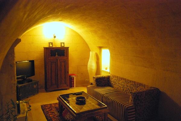 cave-hotel-in-uchisar